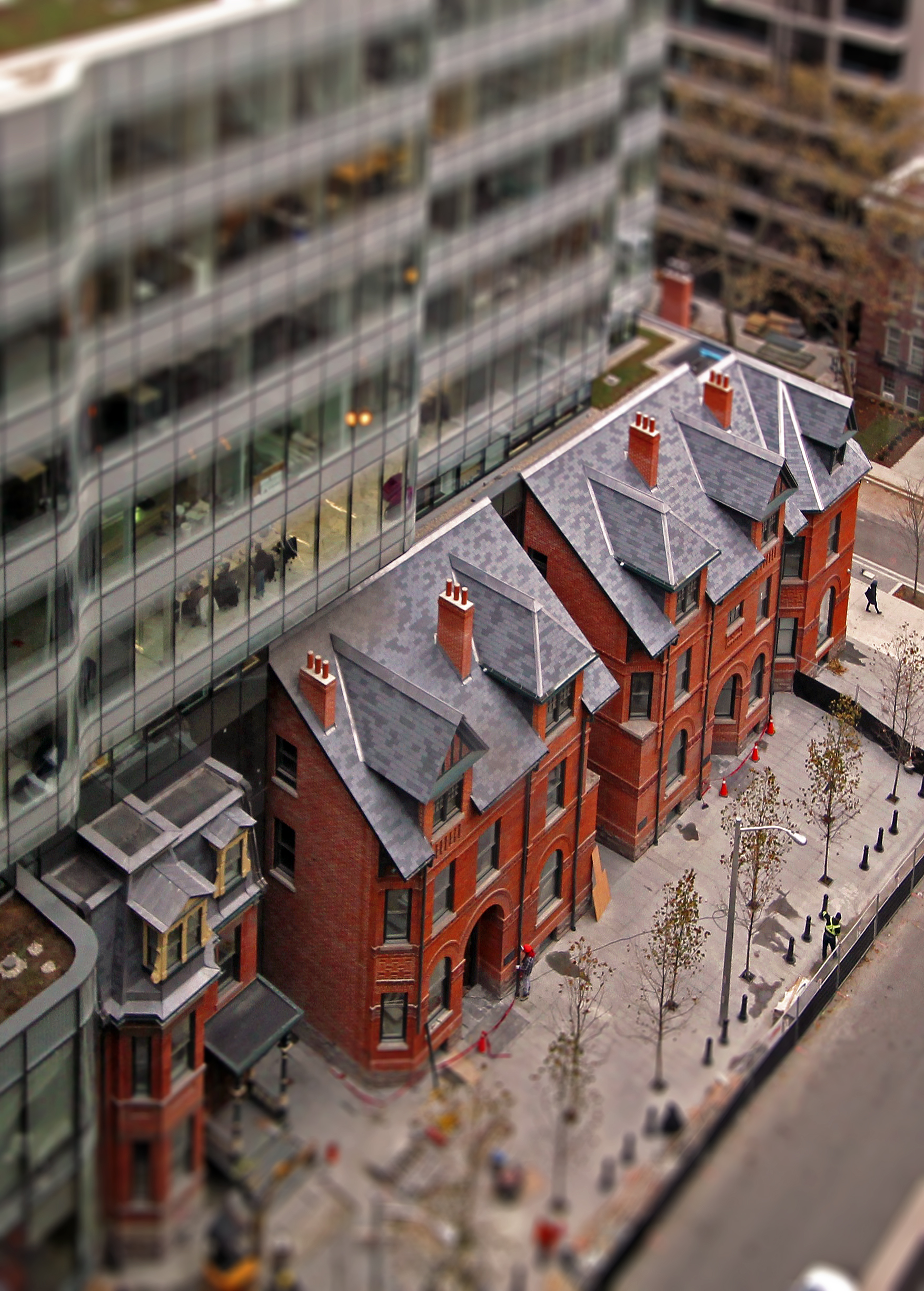 The Sultan Street Development Features The Integration Of A Row Of Red  Brick Romanesque Houses With A New Office Tower Development Designed By  Hariri ...